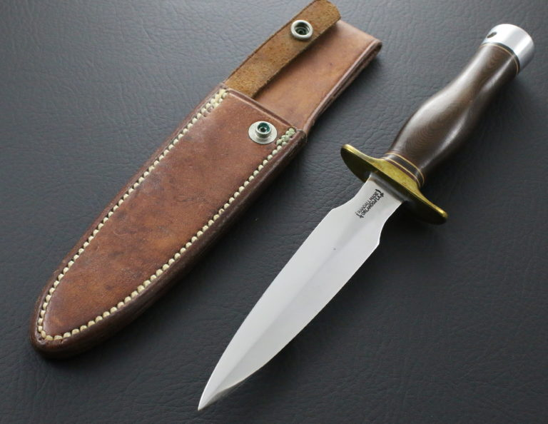 Brown micarta model 2 pic 1
